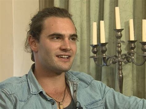 tom bateman reporter tom bateman s family ties youtube