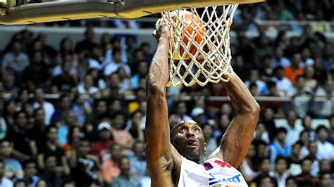 foto de Kobe Takes Manila; NBA Not Invited