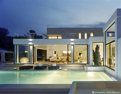 pool lighting terrace glass sliding doors villa