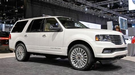 2019 Lincoln Navigator  Car Photos Catalog 2018