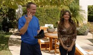 Peyton Manning plays 'Coach Gary' on ABC's 'Modern Family ...