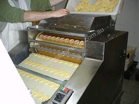 sell  buy bakery equipment  hand bakery