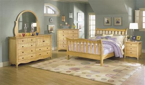 Wood Finish Casual 5pc Bedroom Set W Sleigh Bed