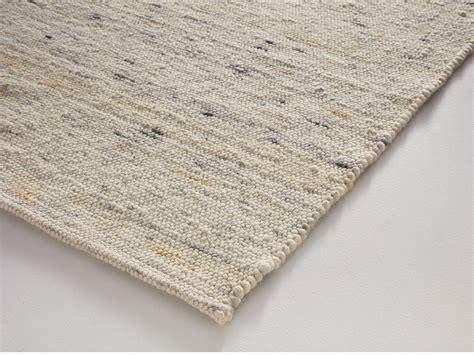 Und Teppich by Schafschurwoll Teppich Fiamma Gr 252 Ne Erde