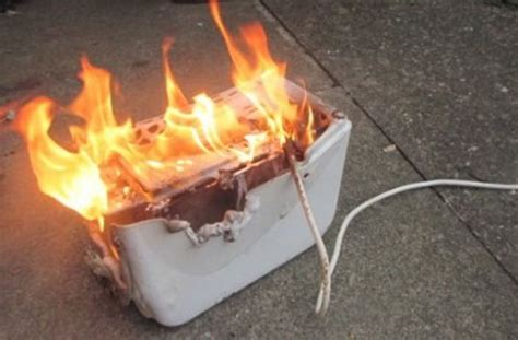 Burning Toaster - this dangerous food hack could burn your kitchen