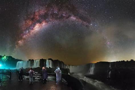 Fotos raras mostram estrelas e rastro da Via Láctea sobre ...