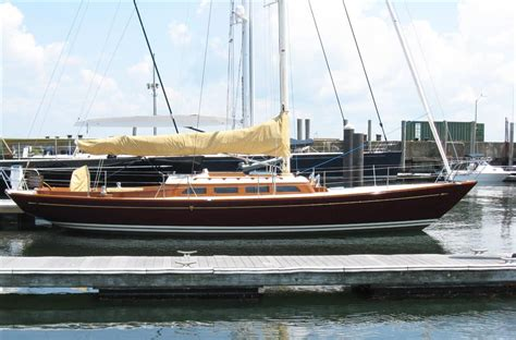 Yacht Buy by Boadicea Morris Yachts Buy And Sell Boats Atlantic