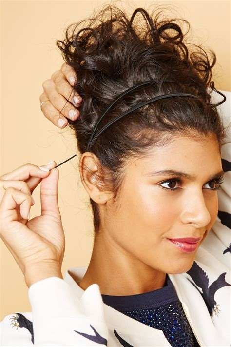 curly hair style 16 ways to make sure your curly hair always look it s best 8154