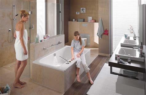 Agencer Une Salle De Bains Avec Une Douche Et Une Baignoire