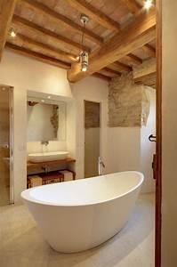 Salle De Bain Blanche Et Bois : 101 photos de salle de bains moderne qui vous inspireront ~ Preciouscoupons.com Idées de Décoration