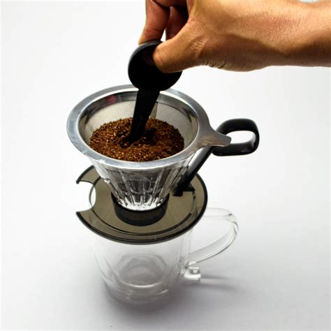 Pour over coffee is probably one of the trendiest manual coffee brewing methods. Pour Over Coffee Maker - Pour Over Coffee - Best Pour Over Coffee