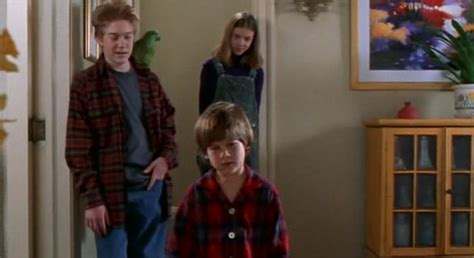 Кадры из фильма Один дома 3 (home Alone 3, 1997)  фото актеров и актрис из фильма Один дома 3