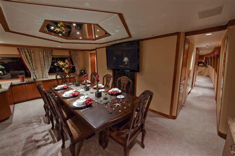 Tweener  Yacht Loose Ends  Formal Dining Room Luxury