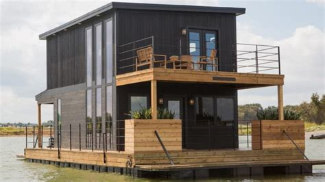 Fixer Upper House Boat by Boxers Or Briefs Chip Gaines Shows The Answer On Fixer