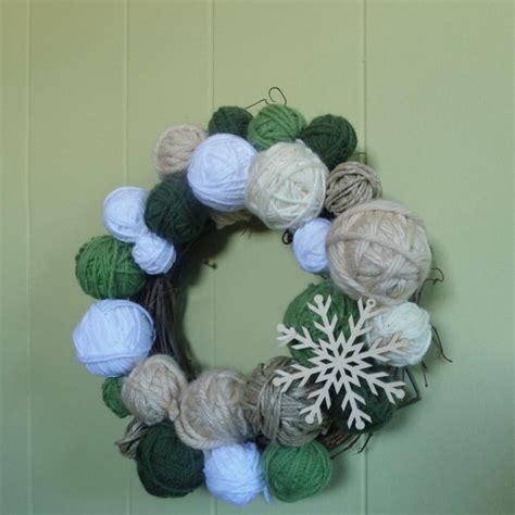 yarn diy christmas wreath allfreeholidaycraftscom