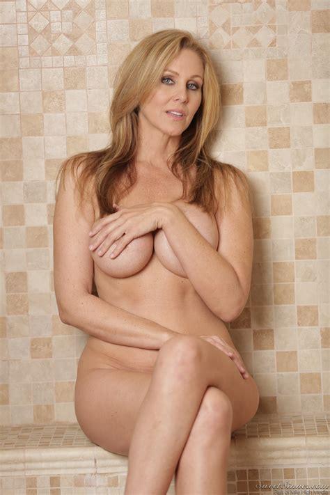 Smoking Hot Woman Has A New Lover Photos Julia Ann Logan
