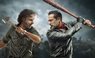When Does The Walking Dead Resume 2017 by The Walking Dead Los Primeros 3 Minutos De La Temporada