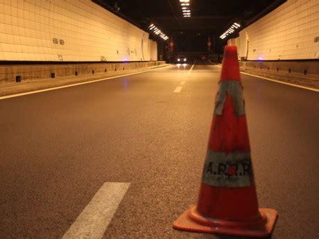 fermeture nocturne fermeture nocturne pour le tunnel sous fourvi 232 re en direction de marseille