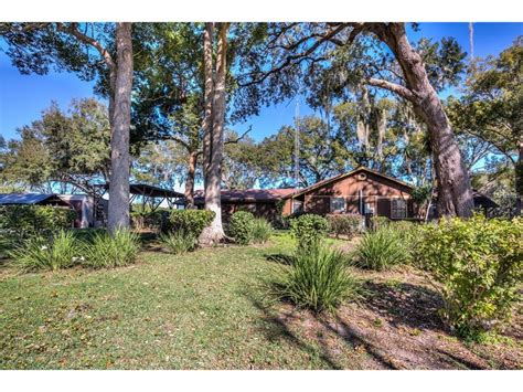 592 Crescent Street, Umatilla, Fl, 32784  Era Grizzard