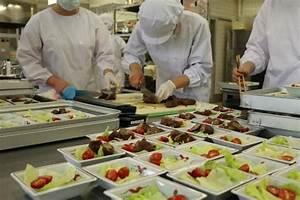 今日は肉巻きですよ~ - NEWS - 生活科学学科 食物栄養専攻 - 学科・専攻紹介 - 仁愛女子短期大学