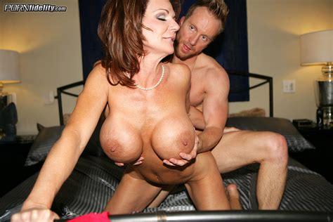 Sexy Ass Milf Bimbos Deauxma And Kelly Medison Milf Fox
