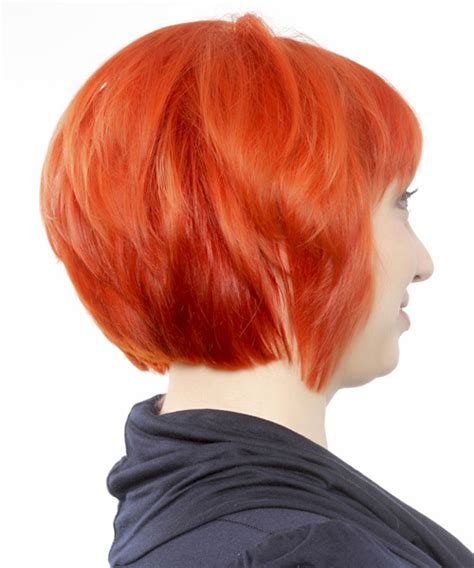 casual short straight bob hairstyle  blunt cut bangs