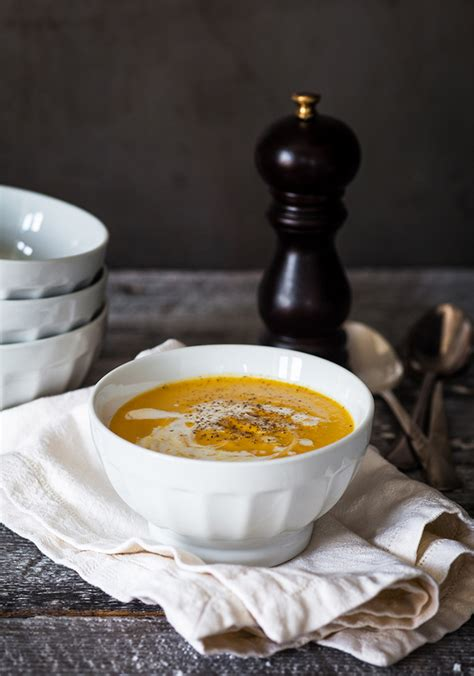 cuisiner le gingembre frais potage de courge au cari recettes ricardo recette
