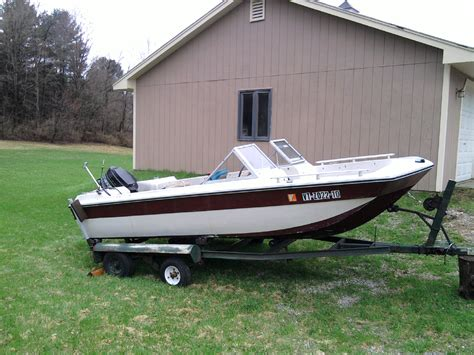 Mfg Tri Hull Fiberglass Boat by Identify This Boat The Hull Boating And