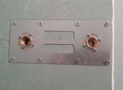 fixer une cuisine sur du placo comment installer un kit per pour dans un mur en