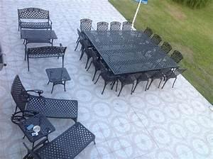 Table 16 Personnes : un banquet dans le jardin salon de jardin grande taille le blog de lazy susan ~ Teatrodelosmanantiales.com Idées de Décoration