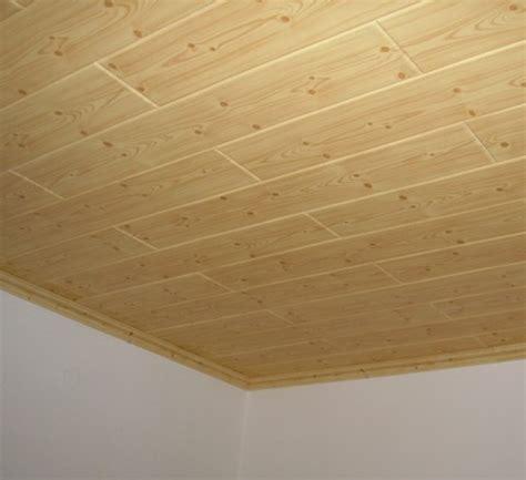 pannelli isolanti per soffitti interni pannelli finto legno per soffitto con travi finto legno