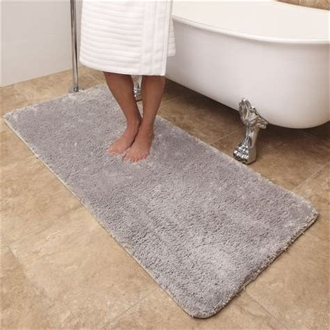 Bathroom Rug Bed Bath And Beyond by Long Bath Mat Products I Love Pinterest