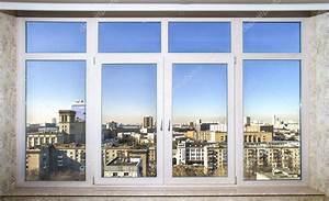 Html Neues Fenster : blick auf die stadt durch neue fenster stockfoto ~ A.2002-acura-tl-radio.info Haus und Dekorationen