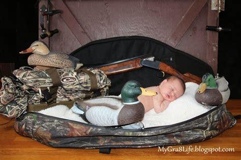 creative newborn photography hunting    great