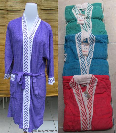 Kimono handuk ini terbuat dari bahan handuk pilihan 100 % cotton towel yang mempunyai daya serap baik. Rainy Collections: Handuk Kimono Motif Dewasa