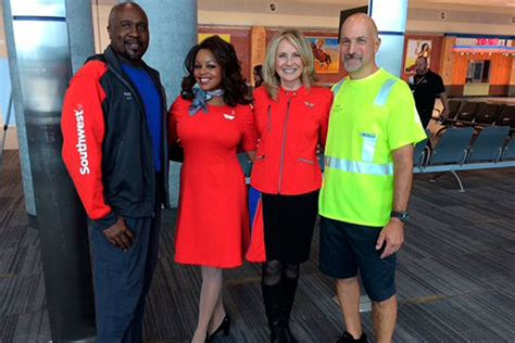 uniforms   horizon  southwest airlines