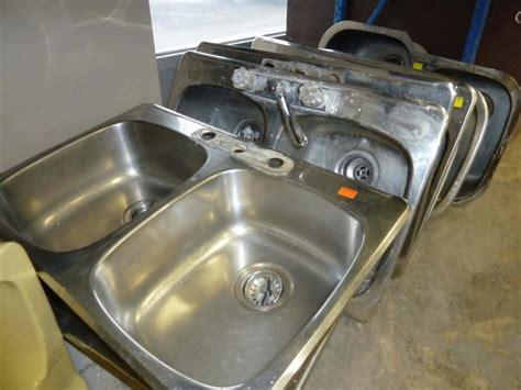 kitchen sinks winnipeg everything and the kitchen sink winnipeg free press homes 3070