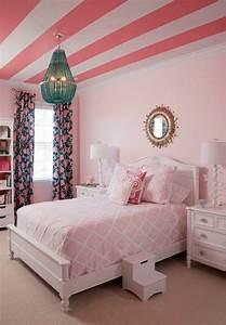 idees en 50 photos pour choisir les rideaux enfants With chambre bébé design avec fleurs Ï livrer pas cher