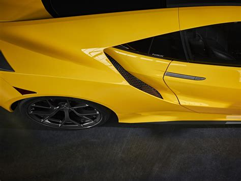 news acura brings  yellow heritage color   nsx