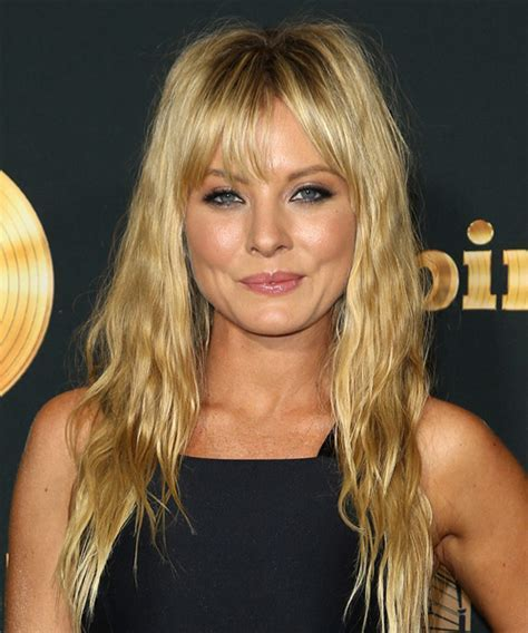 Kaitlin Doubleday Hairstyles for 2017   Celebrity