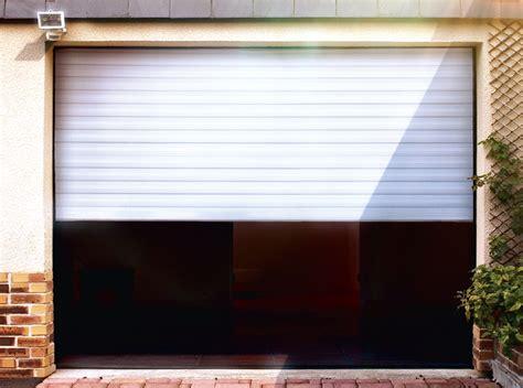 vial menuiserie cuisine porte de garage enroulable motorisee blanche lames 55 x 14