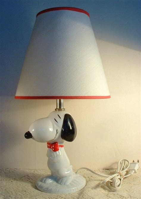 reserved vintage snoopy lamp  original shade
