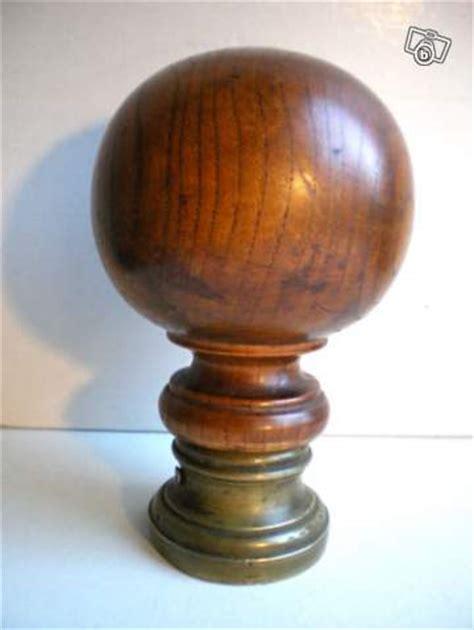 ancienne boule d escalier 1900 en bois et bronze collection