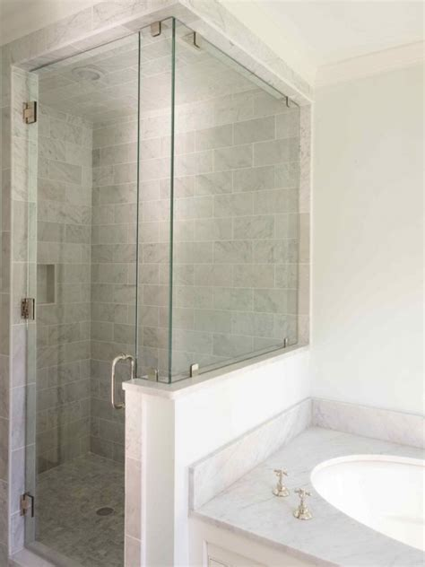 half wall glass shower creative d 233 cor 39 bathrooms with half walls digsdigs
