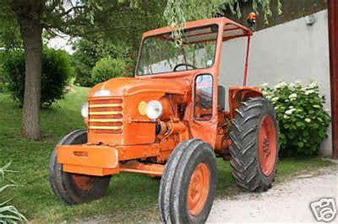 si鑒e de tracteur agricole 60 images coloriage tracteur sur hugolescargot com chauffeur tracteur agricole grueningimmobilien de unimog de