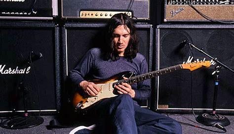 john frusciante war  peace premier guitar