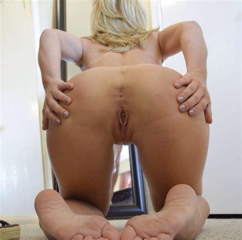 thediggitydank spreading her amazing butthole porn pic eporner