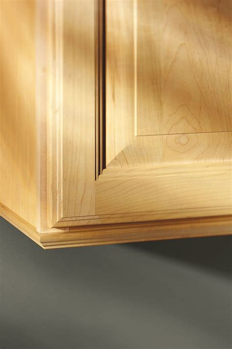traditional cap moulding aristokraft cabinetry