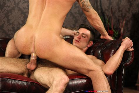 Amateur Straight Guy From The Uk Fucks His First Man Ass