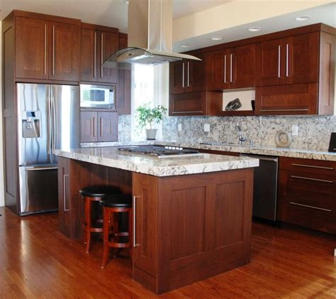 white cabinets kitchens 52 best maple kitchens images on granite 1013